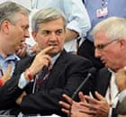 Cancun COP16: UK Climate Secretary Chris Huhne helping to facilitate information consultations