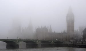 Air pollution : The Houses of Parliament are shrouded in early morning mist