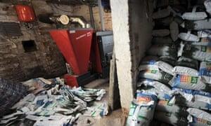 Renewable Heat Incentive : A wood fuelled boiler using wood pellets