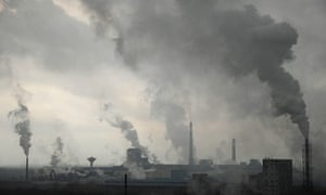 Pollution in China : Smoke billows from chimneys at a chemical factory in Shangrao, Jiangxi