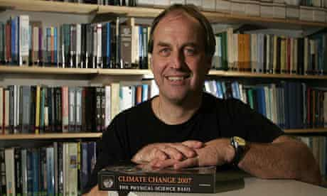 Dr. Andrew Weaver with the Climate Change 2007 report in Victoria