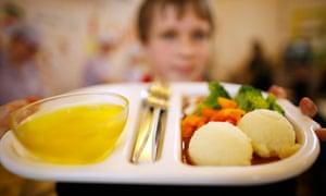 biodiversity in focus : school dinner : Pupils choose their healthy eating food