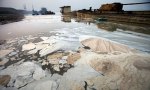 Chemical water pollution in China: Yangtze river, Anhui, China