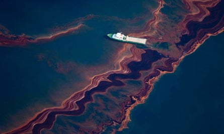 oil spill from the Deepwater Horizon wellhead