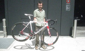 Bike Blog: Peter holding an ultralight bicycle