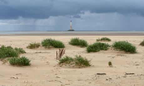 A new island in the Gironde estuary waters between Royan and the lighthouse of Cordouan