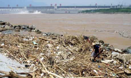 Three gorges dam debris
