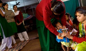 MDG : CDC reform in India : A health worke at nutrition rehabilitation centre in Madhya Pradesh