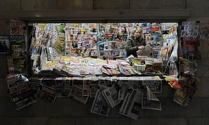 Leo Blog on anglo-saxon climate sceptics : A vendor sells newspapers and magazines at newsstand