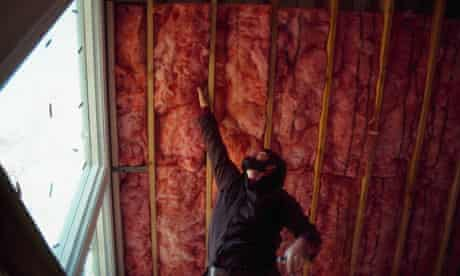 Green deal : Installing Fiberglass Insulation