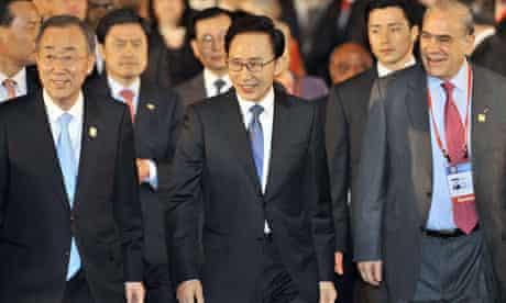 MDG : Lee Myung-Bak, OECD Secretary-General Angel Gurria, Ban Ki-Moon at Busan