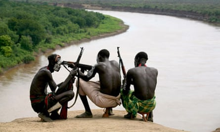 MDG : Gibe dam on the Omo river in Ethiopia : Members of the Karo tribe