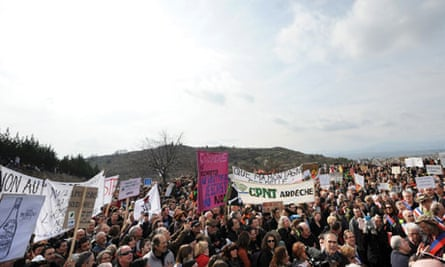 Shale gas : demonstration in Ardeche, central France