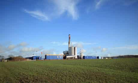 Shale gas : The drilling rig explores the Bowland shale for gas in Blackpool