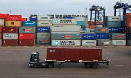 Duncan blog : Carbon Trust suggests UK's total footprint : Felixstowe container port