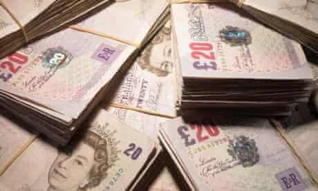 Damian blog : Twenty pounds banknotes in pile