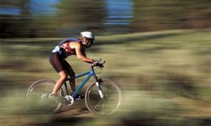Bike Blog : Woman Mountain Biking