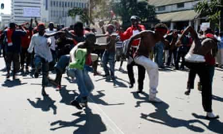 MDG : Malawi  anti-government protesters in commercial capital Blantyre