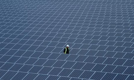 Solar farm in UK : The solar panels at the Sun Park in Fen Lane, Conisholme, are being installed