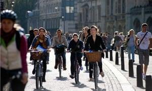 Bike Blog : Cambridge University Students Riding bicycle