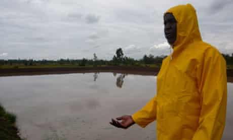 MDG : Mark in Kenya : Fish farmers of Kisumu