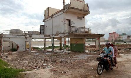 MDG: Land grab at Boeung Kak Lake in Phnom Penh, Cambodia