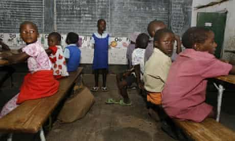 MDG : Zimbabwe :  children sit in a classroom