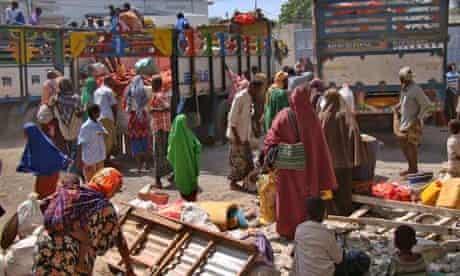 MDG : Famine in  Horn of Africa :  IDP arriving in Mogasishu , Somalia.