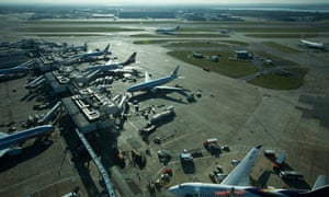 Damian blog on  four-runway Thames Estuary airport :  heavy plane traffic at Heathrow Airport