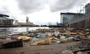 Damian blog : Polluted river : Rubbish on Manchester Ship Canal