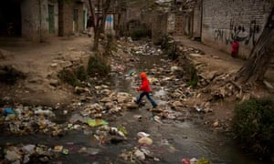 MDG : Environment and development :  polluted river in a shanty town in Islamabad, Pakistan