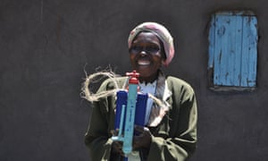 MDG : Lifestraw filter : Mary Nakhumicha in Bungoma East district in Western Province, Kenya