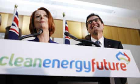 Australia ready to sign to Kyoto 2 :  Julia Gillard and the Minister for Climate Change Greg Combet