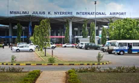 MDG : Chinese in Tanzania : Julius Nyerere international airport in Dar Es Salam