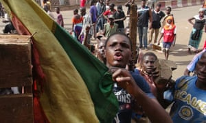 MDG : Tuareg in Mali : Protester angry about the government's handling of attacks by Tuareg rebels