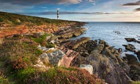 Country Diary : arbat Ness Lighthouse at Dawn, Ross & Cromarty, Scotland