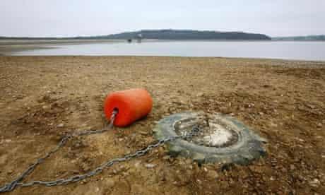 Drought alert : ghalf empty Bewl Water Reservoir near Lamberhurst, Kent