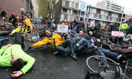 Bike blog : Protest held by cyclists at Addison Lee Courier offices in London