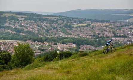 Bike blog : Mountain Bike rider at Wharncliffe in Sheffield