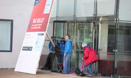 Greenpeace activists Blockade Headquarters of Centrica