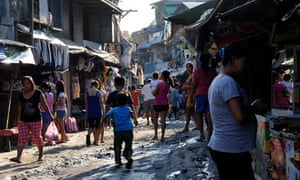 MDG : Rio+20 : Urbanization : street in one of the shanty towns in Manila, Philippines
