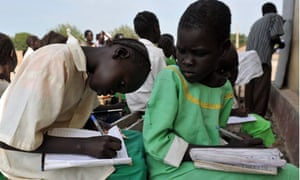 MDG : South Sudan Education : Students in an English class at a government school in Bentiu