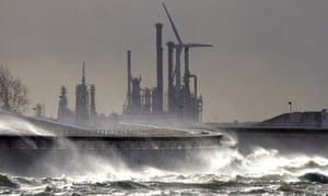 Rotterdam floods defences : The giant Maeslant surge barrier