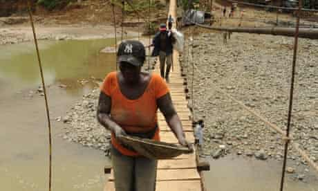 MDG : Colombia : Gold mining near Buenaventurain, Valle del Cauca
