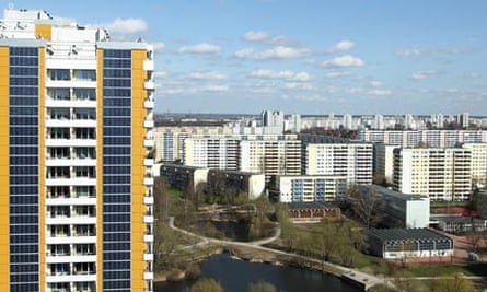 Damian in Germany : Sustainable housing :  Photovoltaic Facade At Berlin Twin Towers