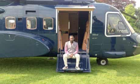 will.i.am about to leave Oxferd with his helicopter