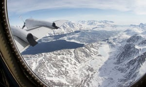 Greenland glaciers : Icy water in the fjord of the Kangerdlugssuaq Glacier in eastern Greenland