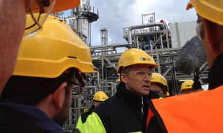 PM Jens Stoltenberg at CCS Technology Centre  at the The Mongstad oil and gas refinery , Norway