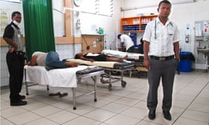 MDG : Timor-Leste : Dr Defonso who was trained in Cuba, Dili national hospital