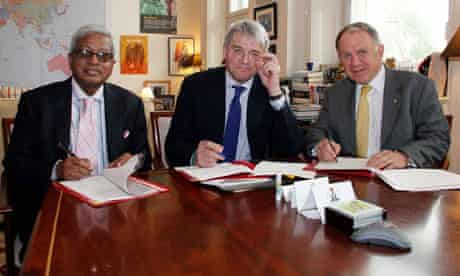 MDG : Signing agreement between BRAC and DfID : Sir Fazle Hasan Abed, Andrew Mitchell and John Dauth